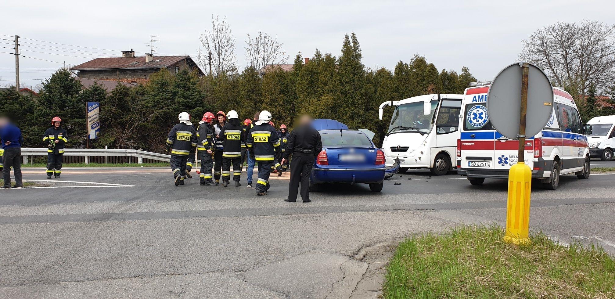 Poważny wypadek na skrzyżowaniu [FOTO]
