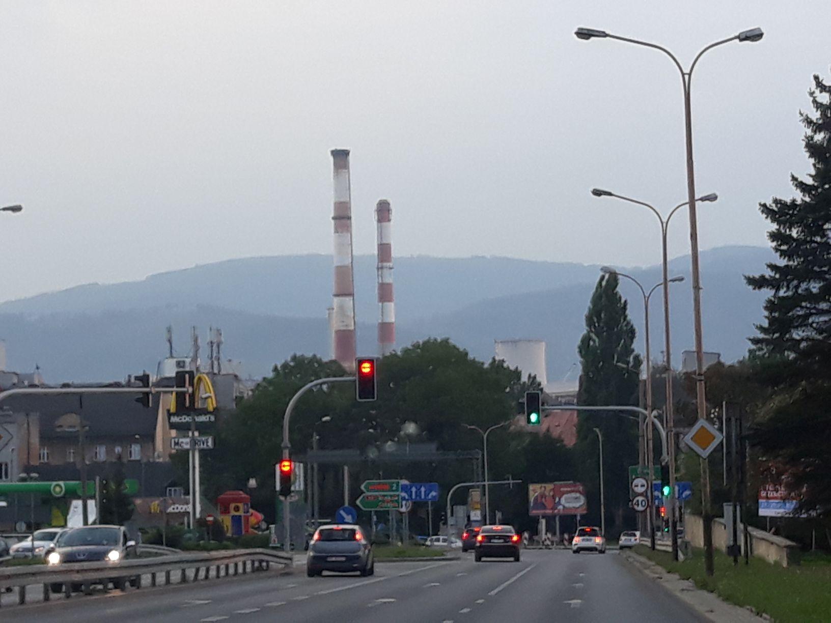 Ruszyła rozbiórka bielskich kominów [VIDEO]