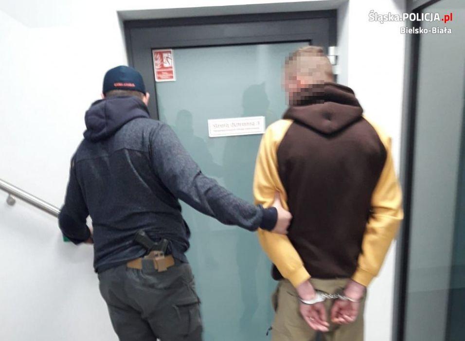 Areszt dla mężczyzny, który uprawiał w domu marihuanę