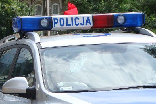 Dwóch policjantów oraz strażak uratowali 43-latka