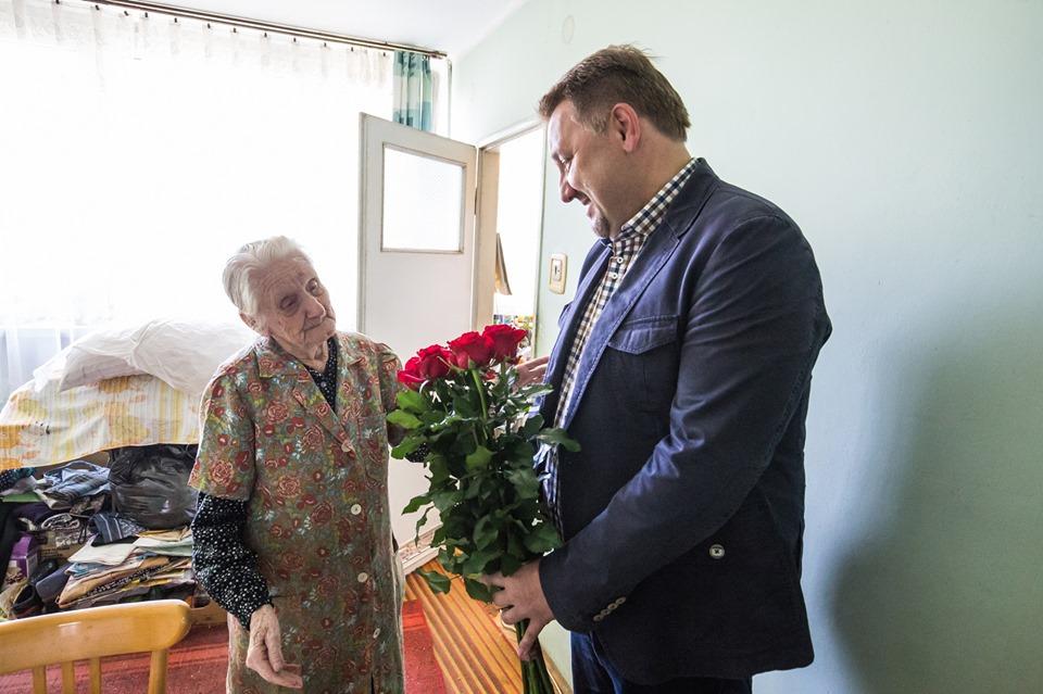 Prezydent wręczył kwiaty najsłynniejszej ostatnio bielszczance