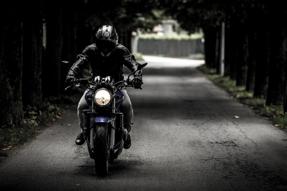 20-latek pożyczył motocykl od taty. Teraz walczy o życie