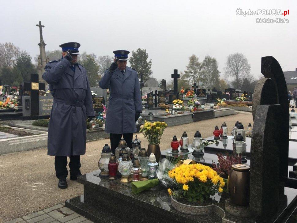 Policjanci oddali hołd poległym na służbie kolegom