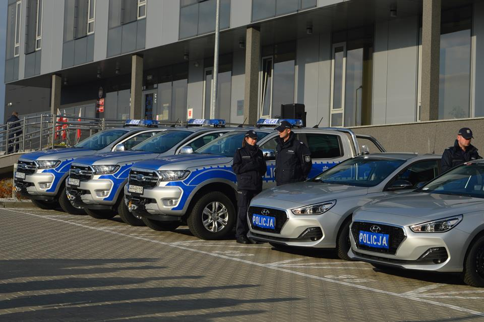 Policyjna flota powiększyła się o 10 samochodów [wideo]