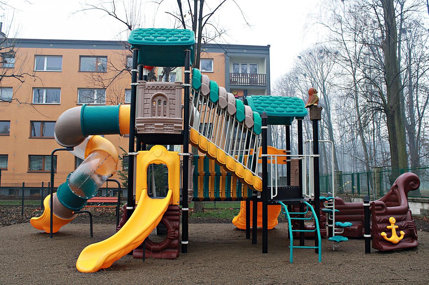 Na nowym  placu zabaw można bawić się po zamknięciu przedszkola