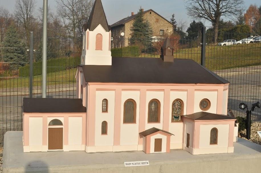 Nowa atrakcja turystyczna w Bestwinie. Otwarto Park Miniatur