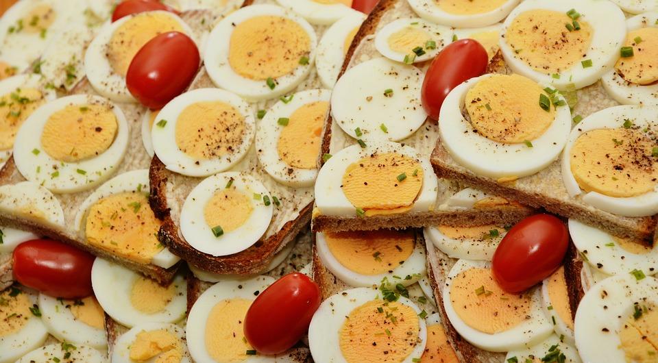 Uwaga! Salmonella w jajkach z Biedronki!