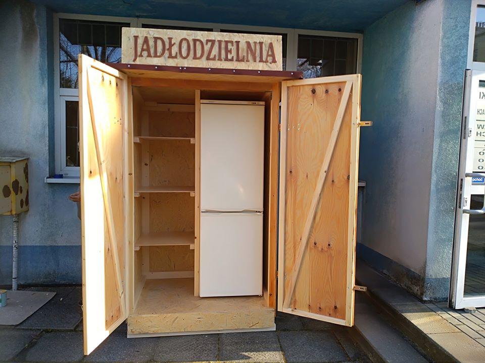 W Czechowicach-Dziedzicach stanęła pierwsza lodówka Jadłodzielni!