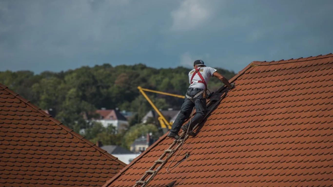 Starostwo walczy z azbestem. Mieszkańcy mogą otrzymać dotację
