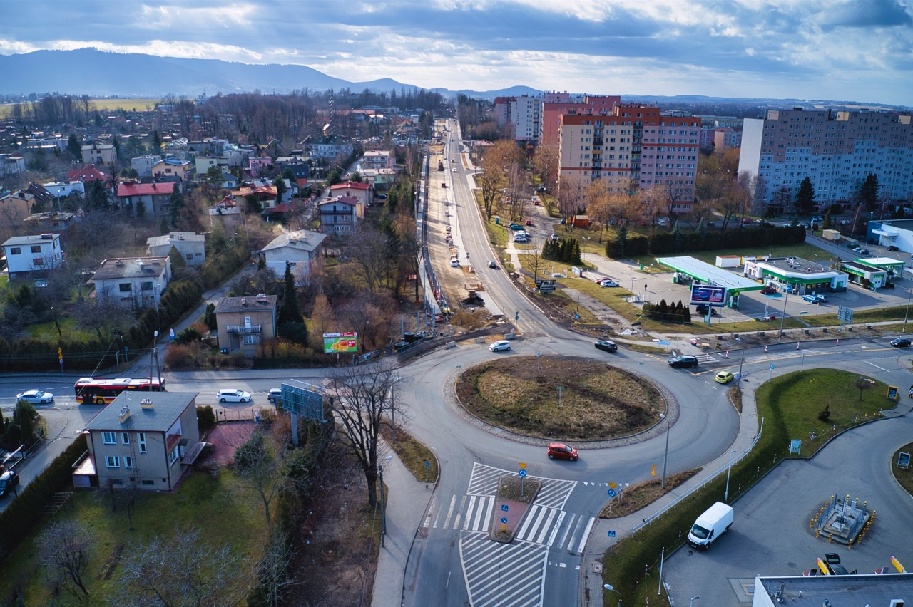 Na jakim etapie jest rozbudowa ulicy Cieszyńskiej? [VIDEO]