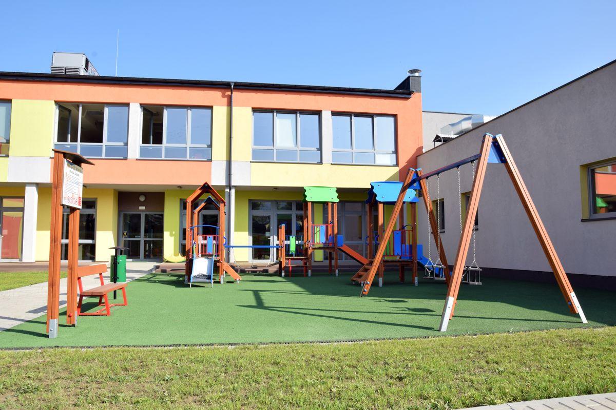 Gmina Kozy zamyka szkoły i przedszkola