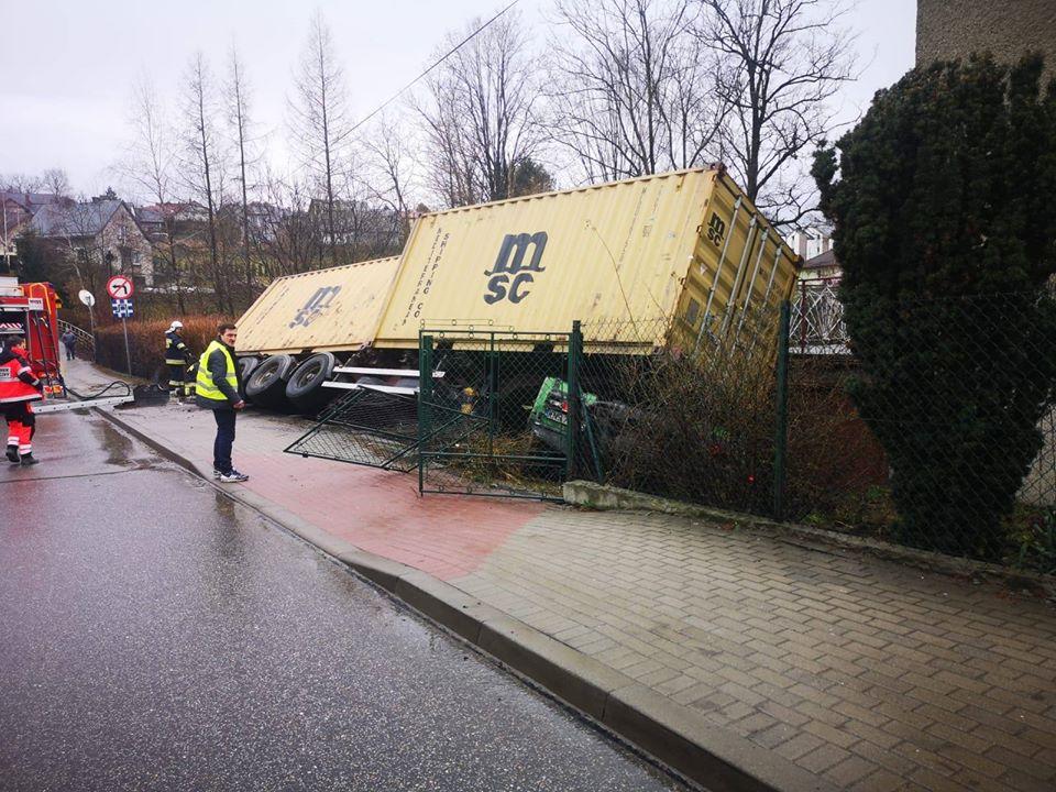 Wypadek z udziałem ciężarówki