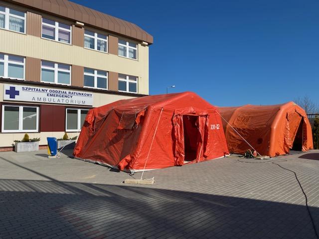 Specjalne namioty stanęły przed Szpitalem Wojewódzkim w Bielsku-Białej