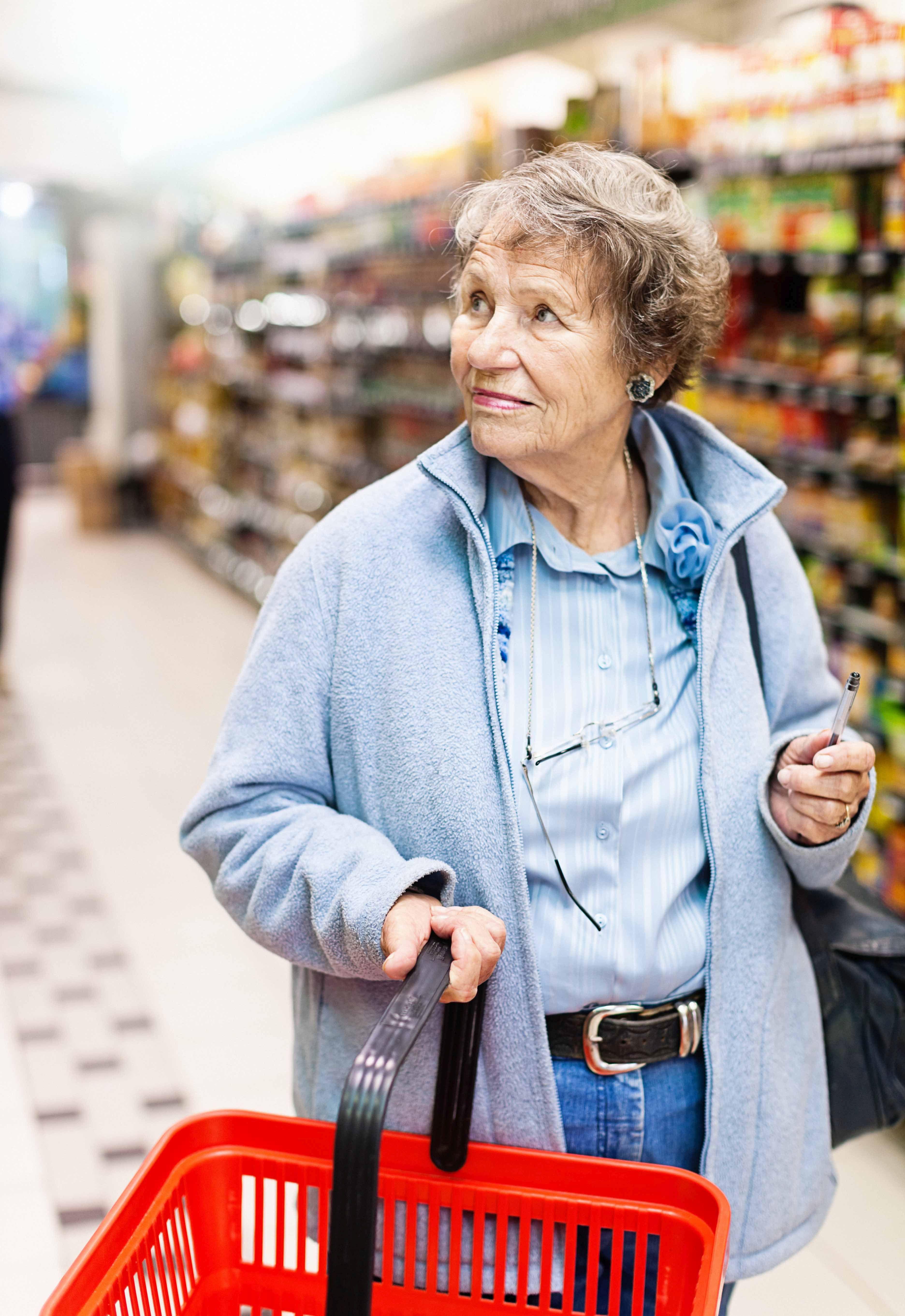 Tesco wprowadza specjalne godziny na zakupy dla seniorów