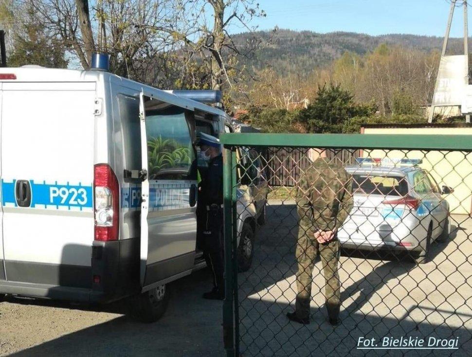Świadkowie ujęli, a policjanci i wojskowi zatrzymali pijanego kierowcę