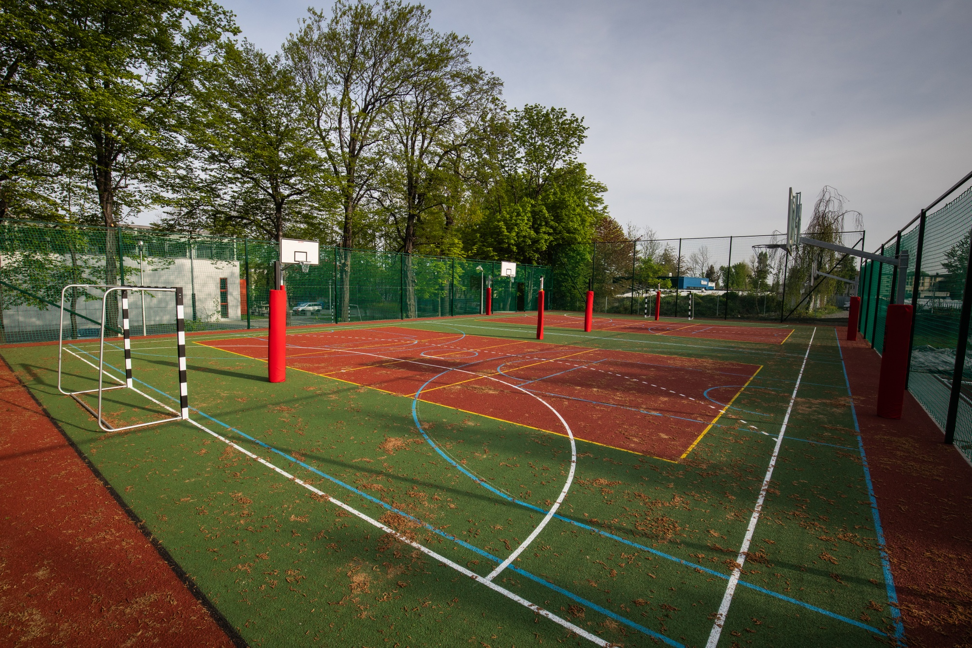 Nowe boisko przy bielskiej szkole