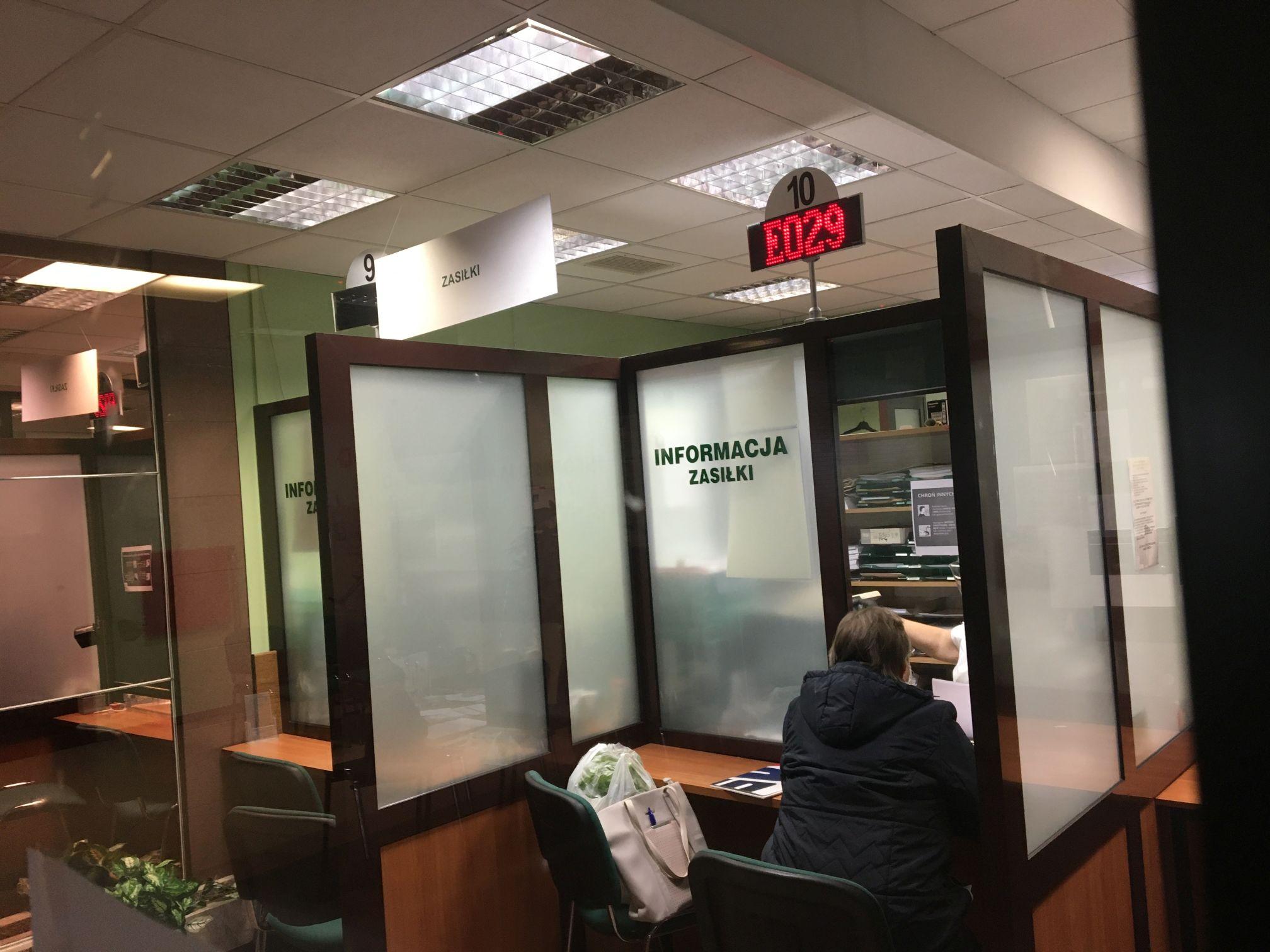 Tysiące klientów w placówkach ZUS