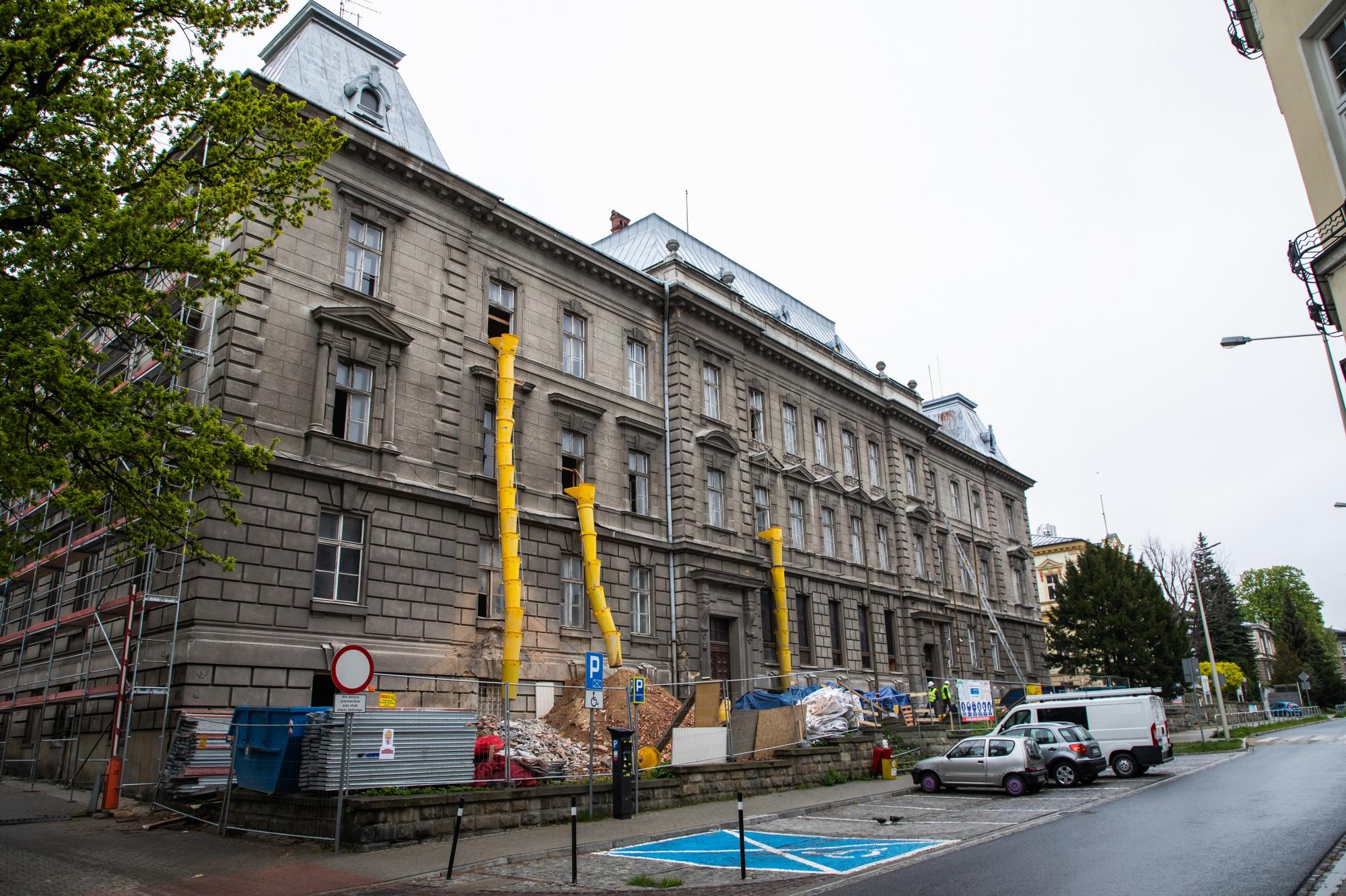 Rozpoczął się remont budynku bielskiego sądu
