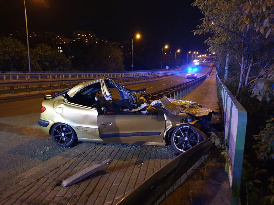 Bielsko-Biała: koszmarny wypadek, pijany kierowca wbił auto w barierę