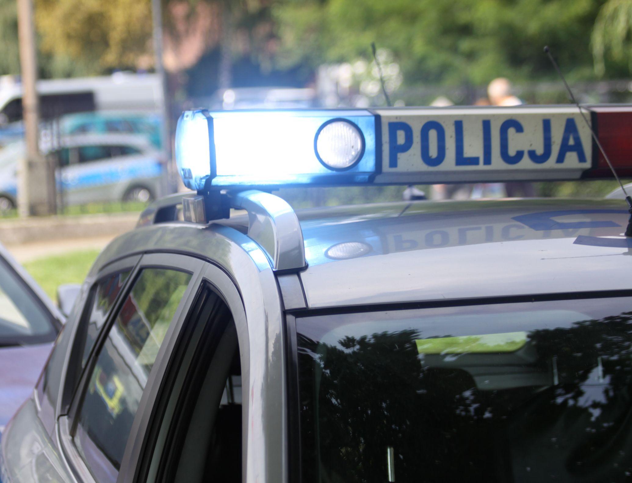 Policjanci pomogli mężczyźnie, który wiózł do szpitala swojego ojca