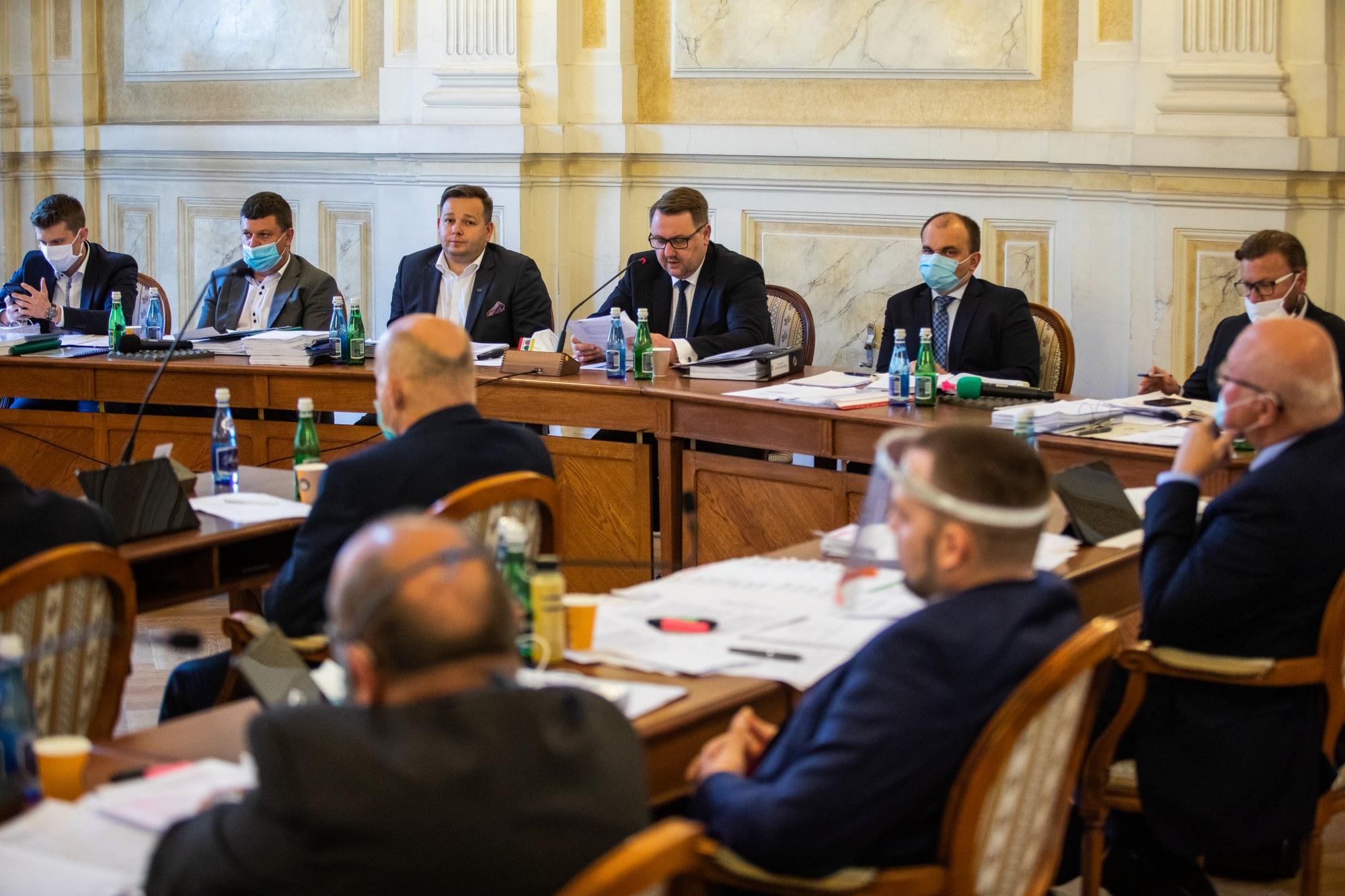 Większość radnych poparła prezydenta Bielska-Białej