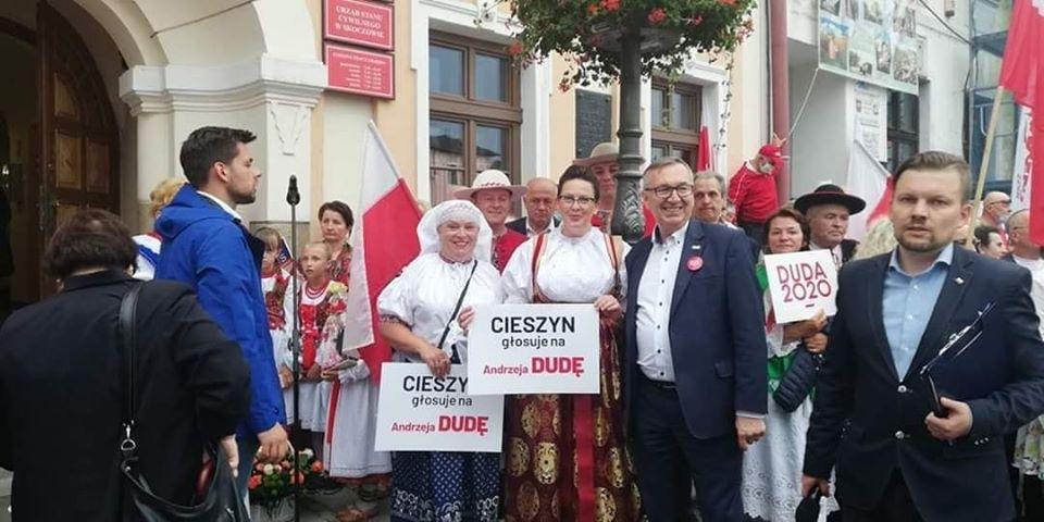Cieszyn głosuje na Andrzeja Dudę? Burmistrz żąda przeprosin