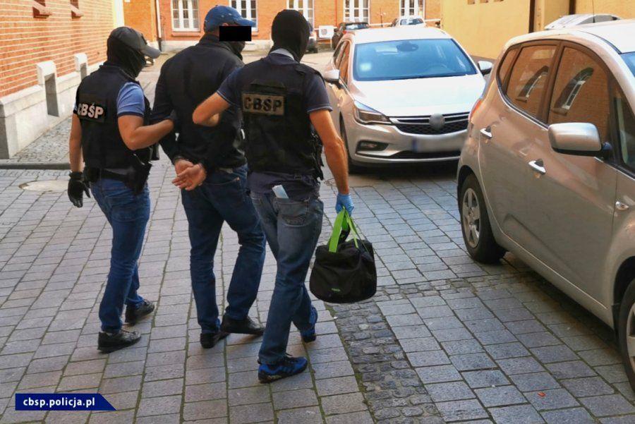 Śledczy rozbili grupę przestępczą, która wystawiała 'puste faktury'. Jest bielski wątek