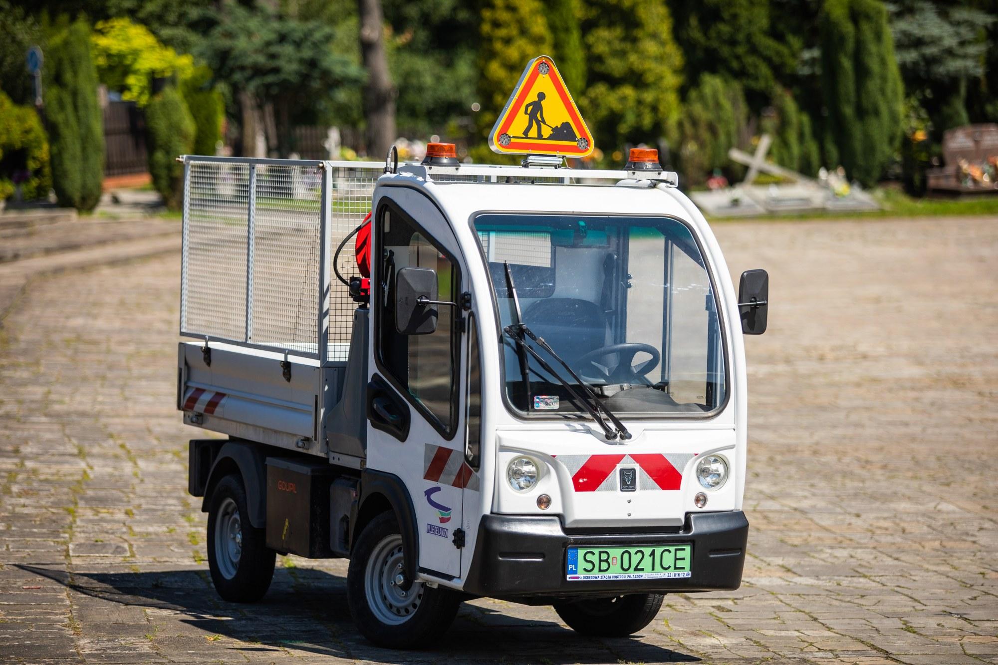 Mikrociężarówka będzie sprzątała na cmentarzu