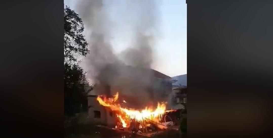 Duży pożar, w akcji strażacy z kilku jednostek