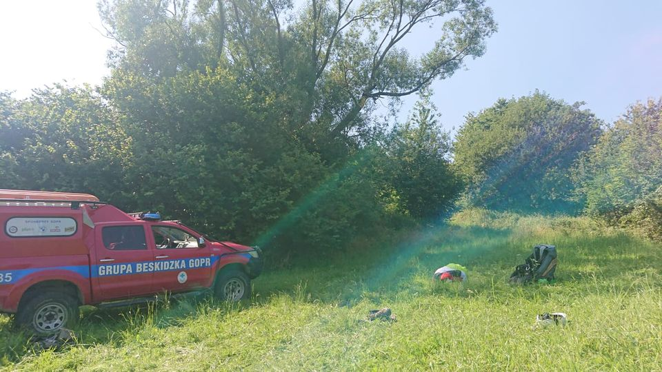 Paralotniarz poważnie ranny w wypadku