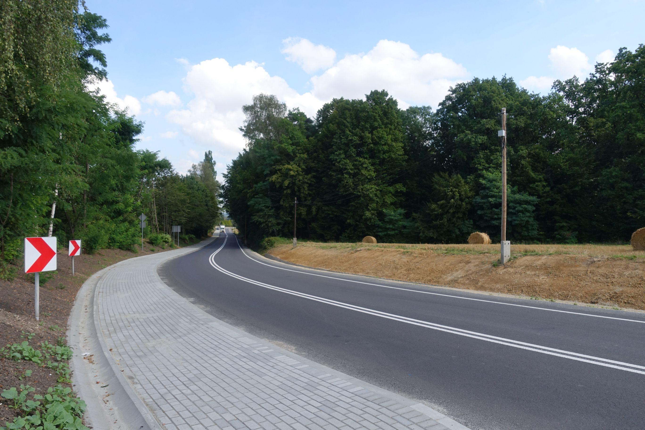 Kolejna duża inwestycja drogowa w powiecie bielskim zakończona