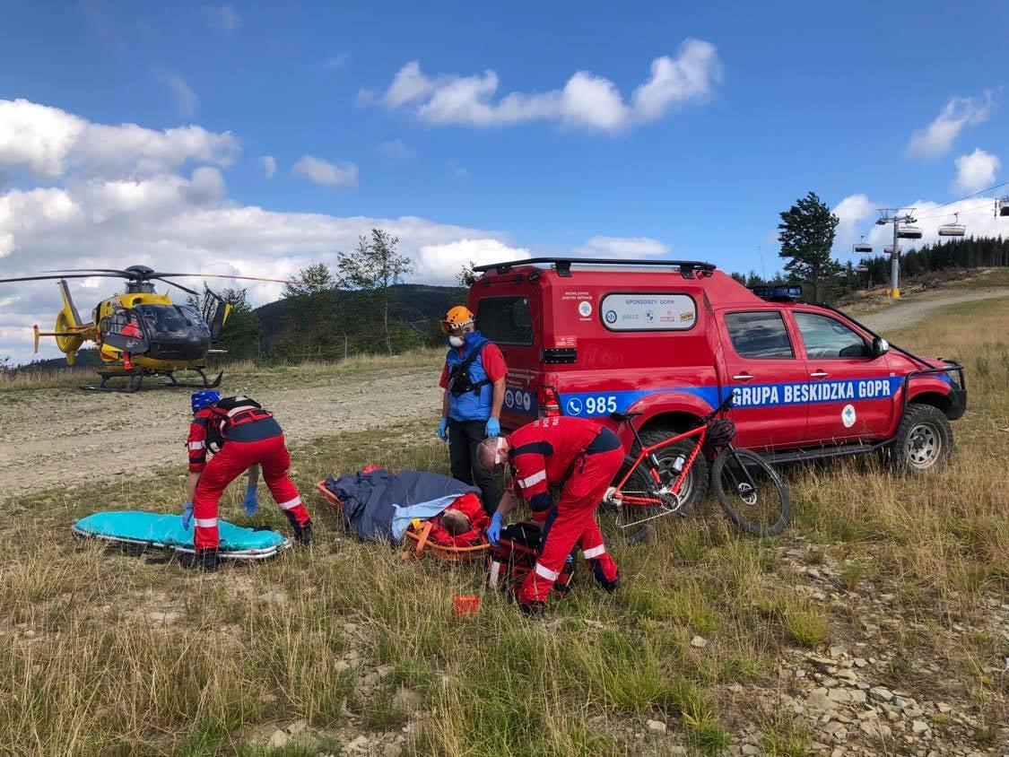 Poważny wypadek rowerzysty w Szczyrku