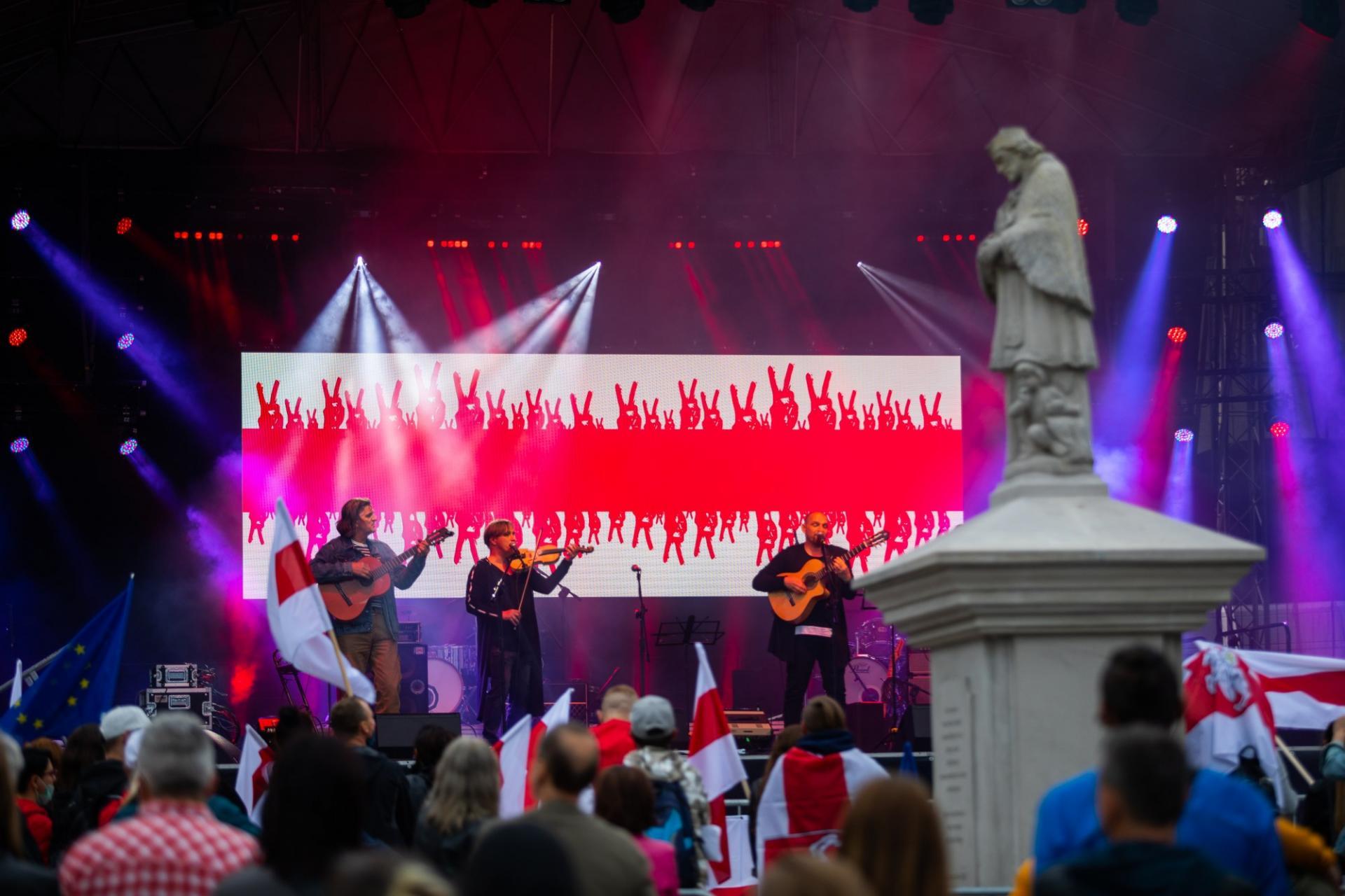 Solidarni z Białorusią. Koncert na bielskim rynku