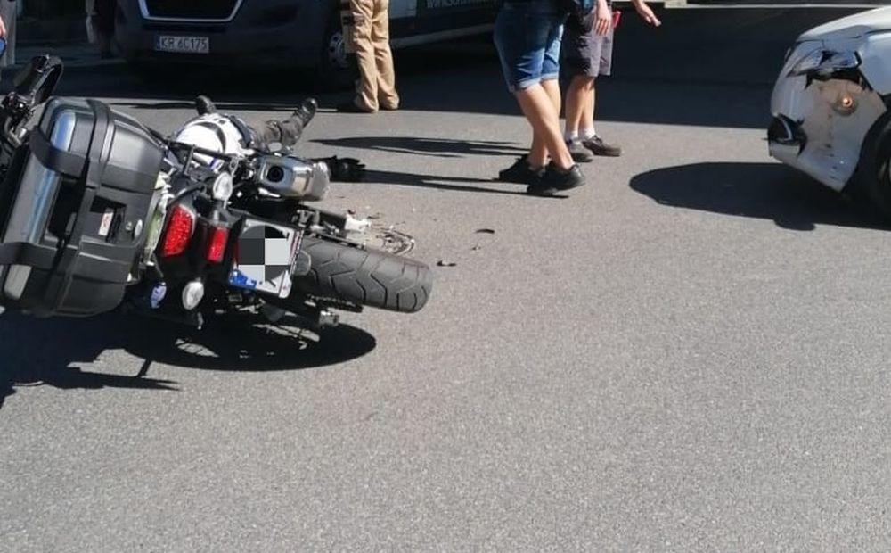 Wypadek w centrum Bielska-Białej. Ranny motocyklista