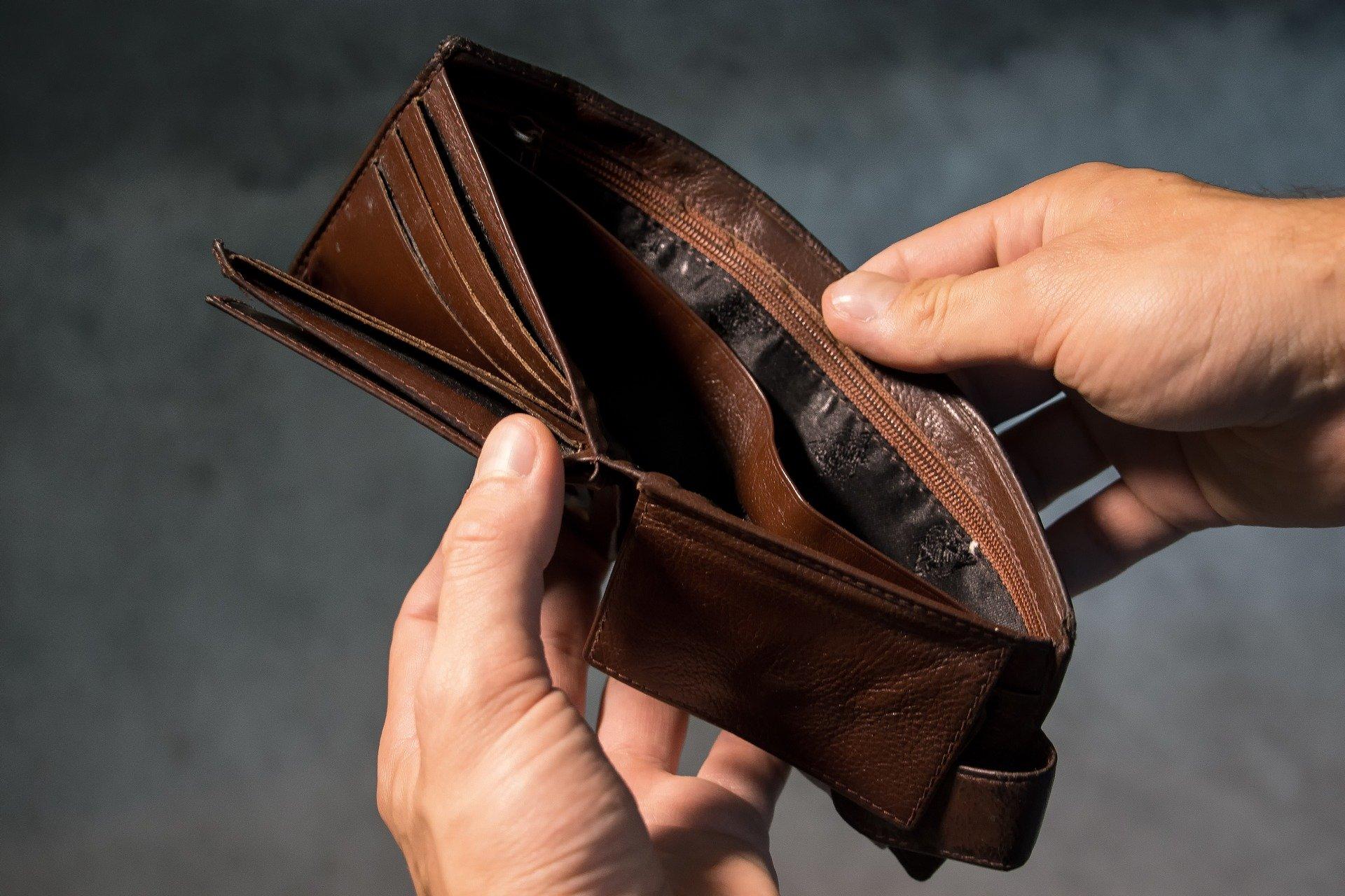 Znaleziono portfel z pieniędzmi. Policja szuka właściciela