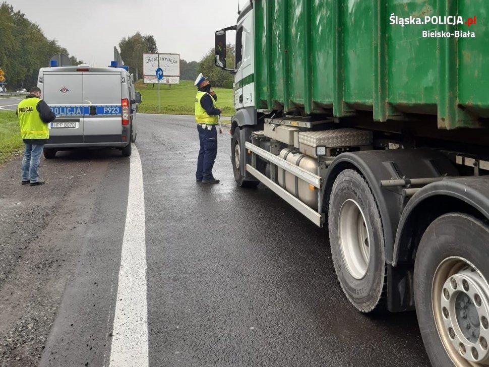 Kontrole ciężarówek z odpadami na bielskich ulicach