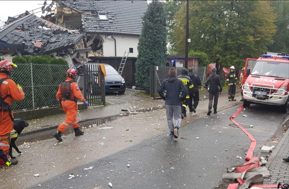 Strażacy składają kondolencje swojemu koledze