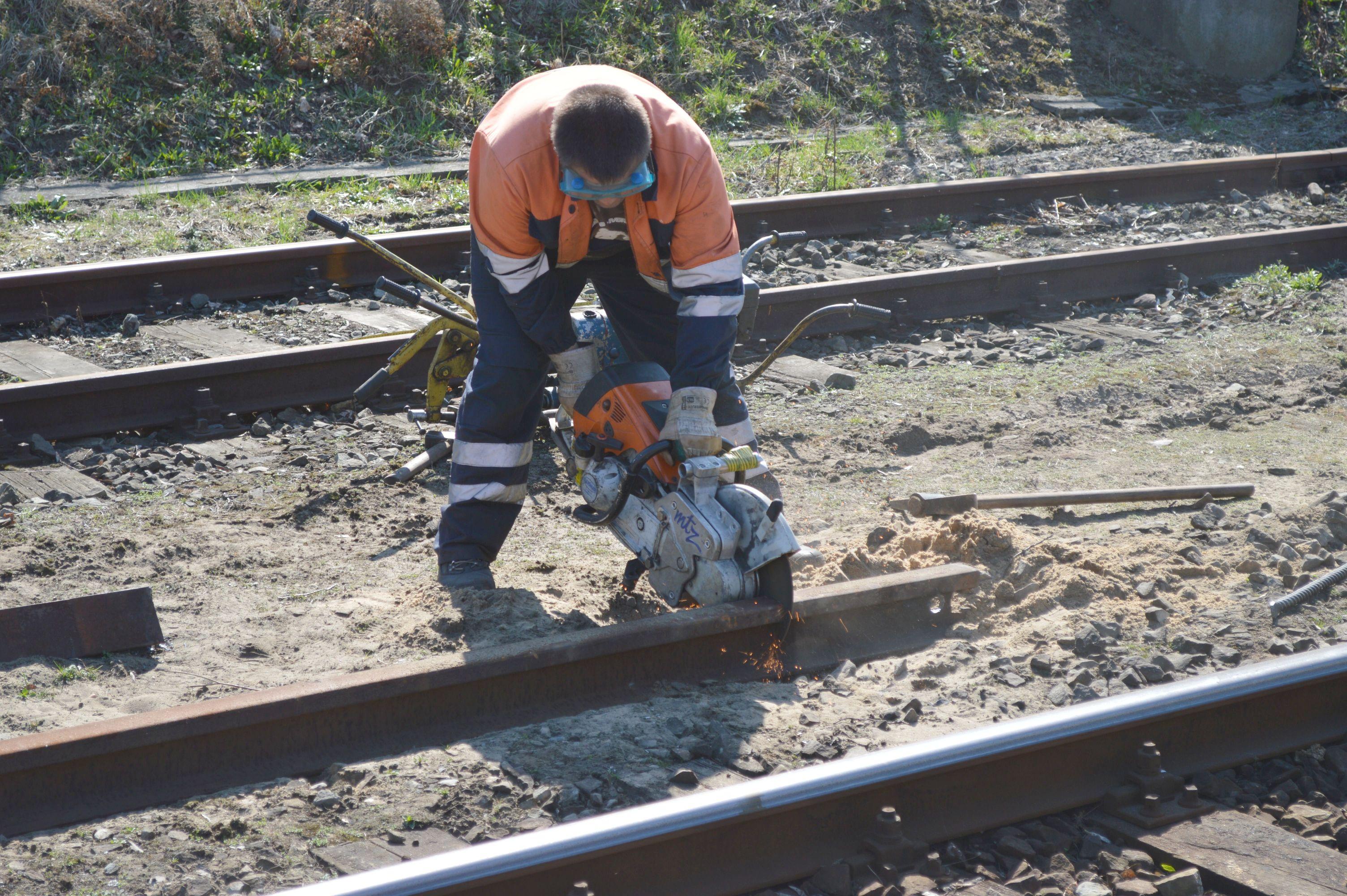 Wykolejony pociąg. Utrudnienia dla pasażerów
