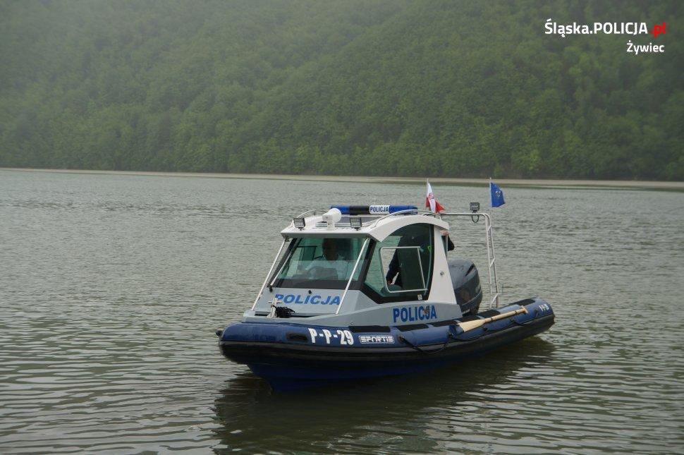 Nowa policyjna łódź już na jeziorze