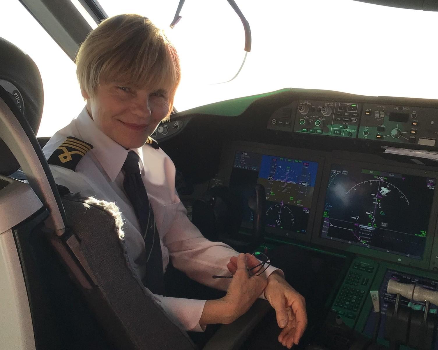 Zaczynała w bielskim Aeroklubie, teraz pilotuje Dreamlinera
