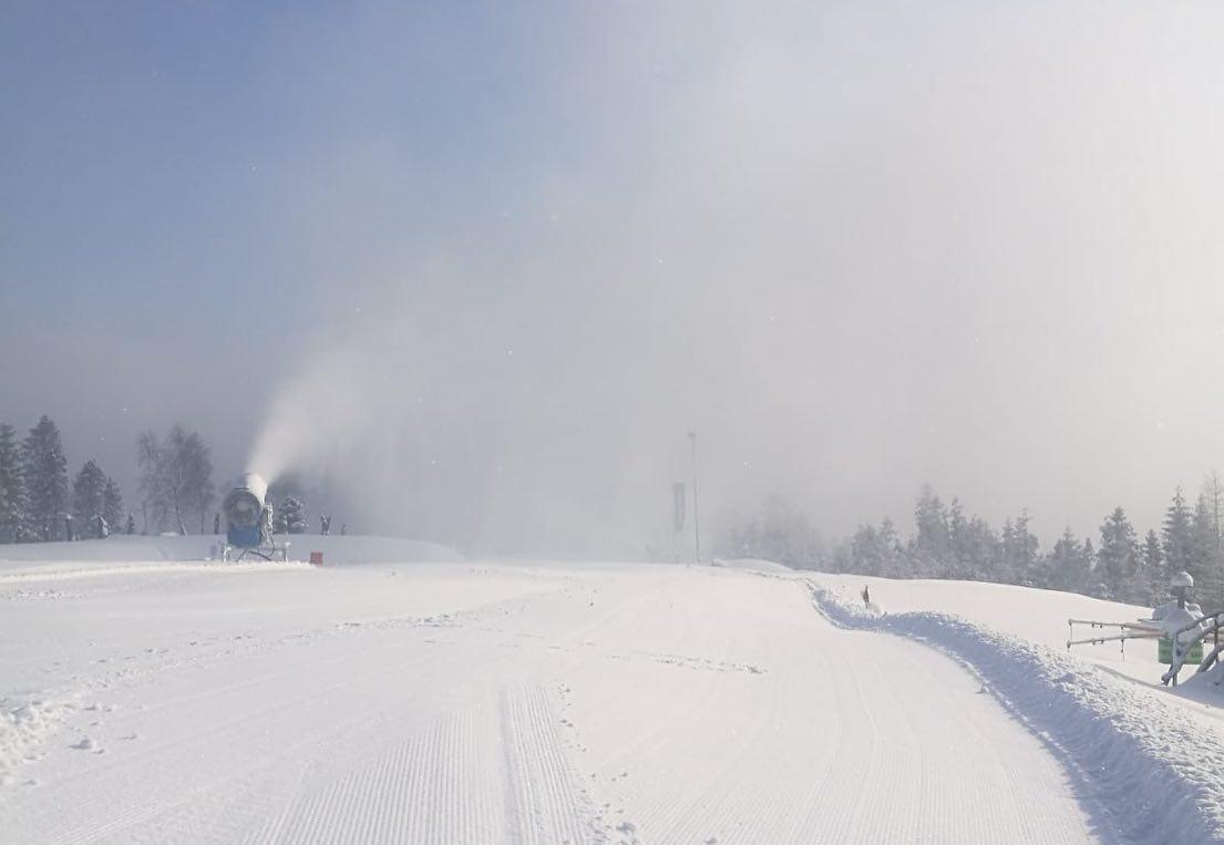 Ruszają wyciągi narciarskie. Oficjalnie na stokach odbywają się zajęcia edukacyjno-sportowe
