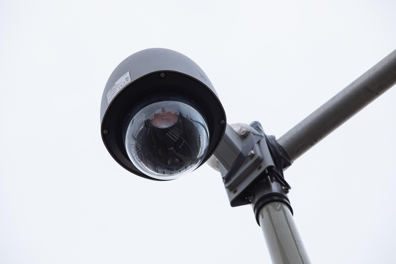 Mobilna kamera na łamiących przepisy