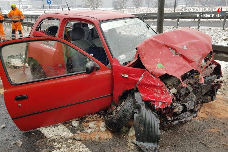 Pijany kierowca wjechał pod prąd i zderzył się z tirem