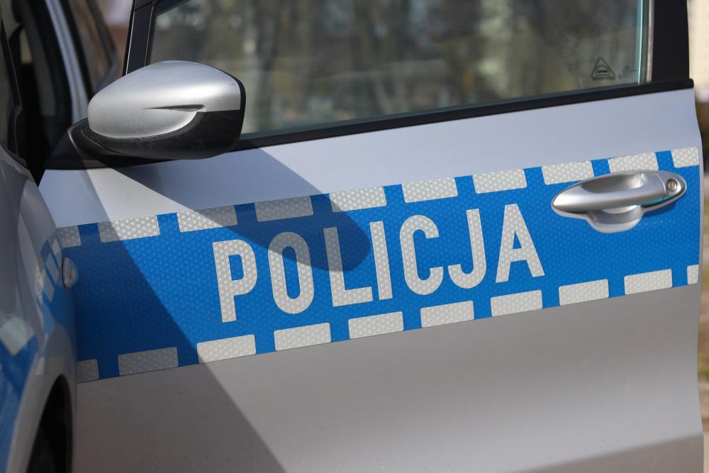 91-latek ukradł listonoszowi wózek z przesyłkami