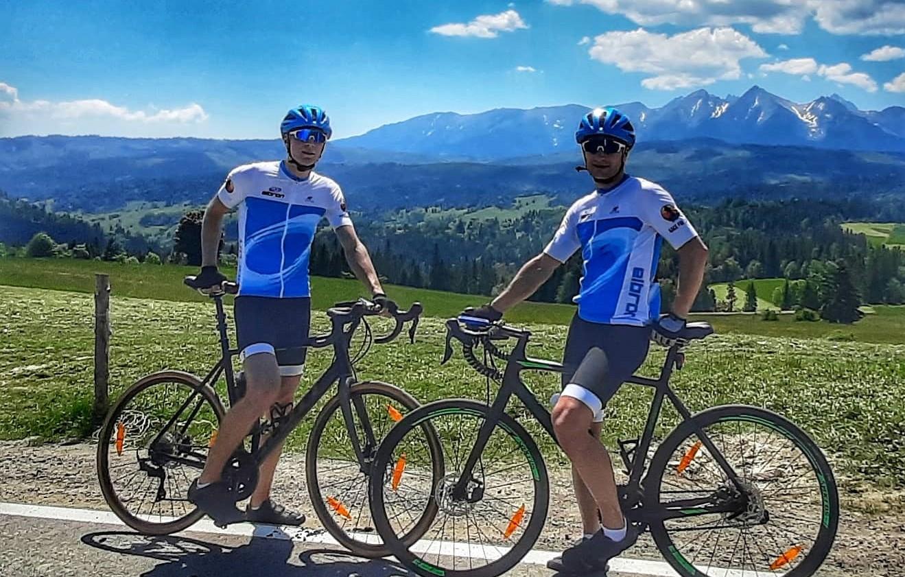 Jadą na rowerach z Bielska do Gdańska by uzbierać na najdroższy lek świata