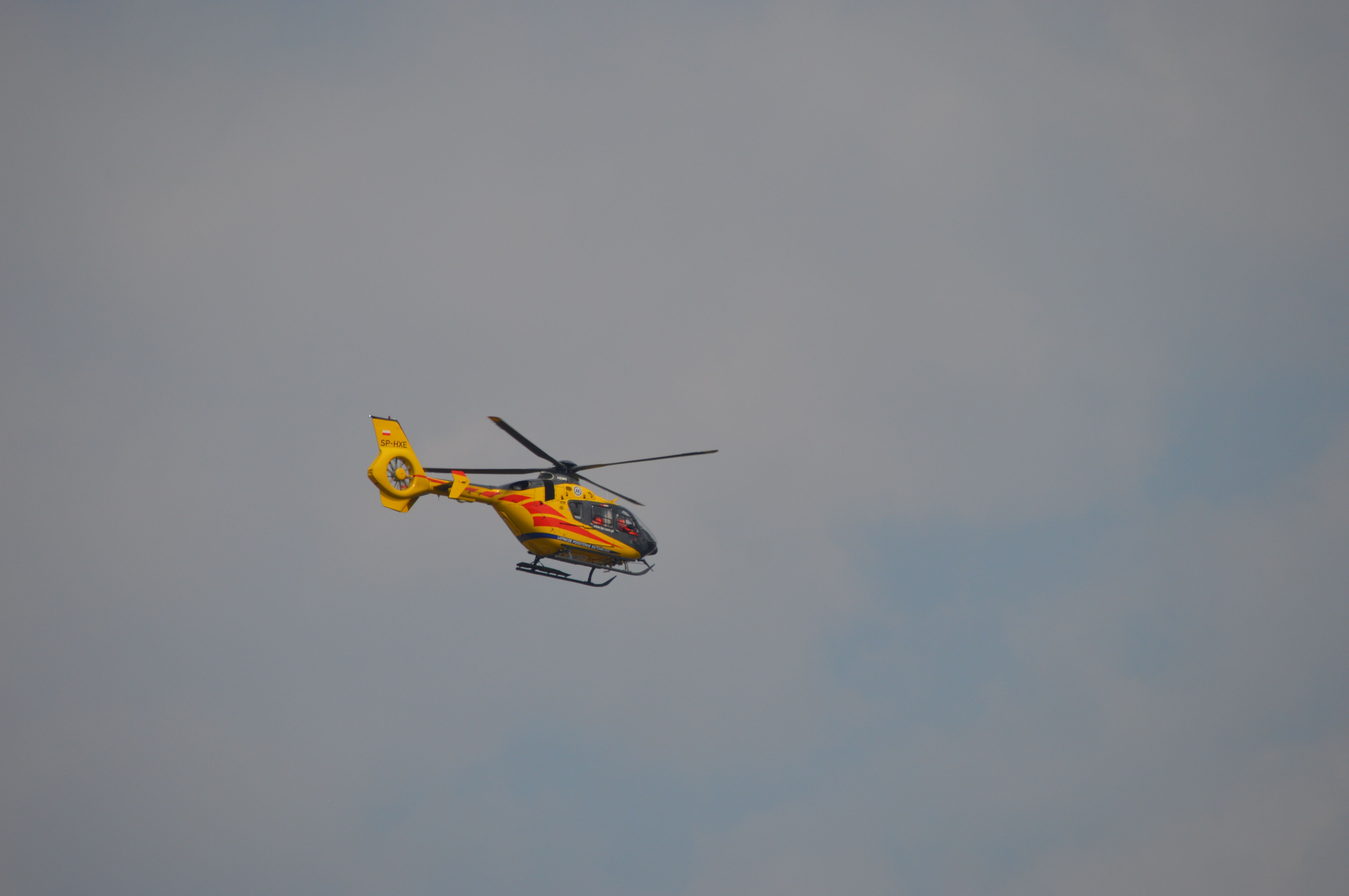 Policja podała przyczyny wypadek na na DK1, rowerzystka ciężko ranna