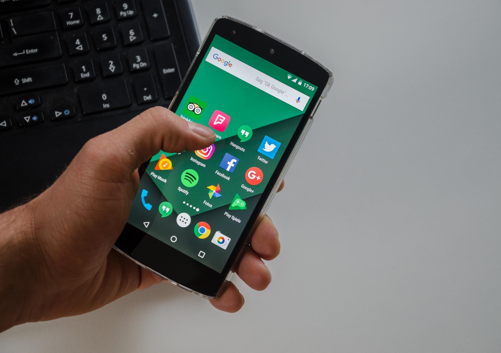 Uwaga na oszustwa przy użyciu OLX i Whats app