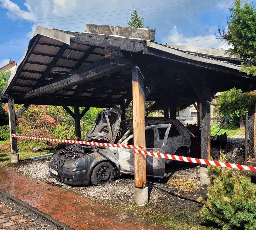 W Porąbce spłonął samochód