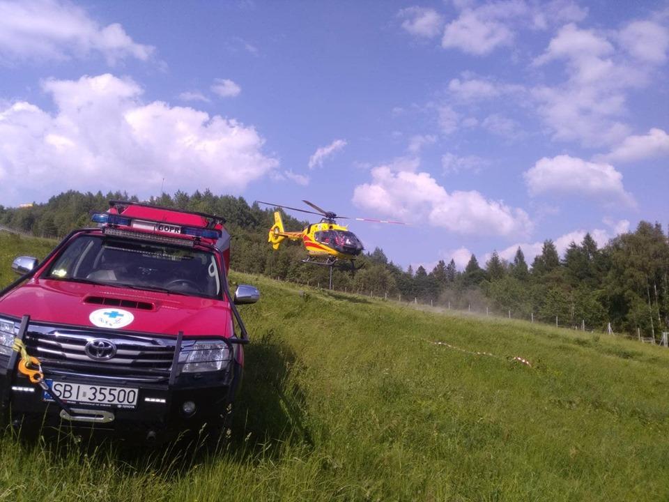 Poważny wypadek. Paralotniarz spadł z dużej wysokości.