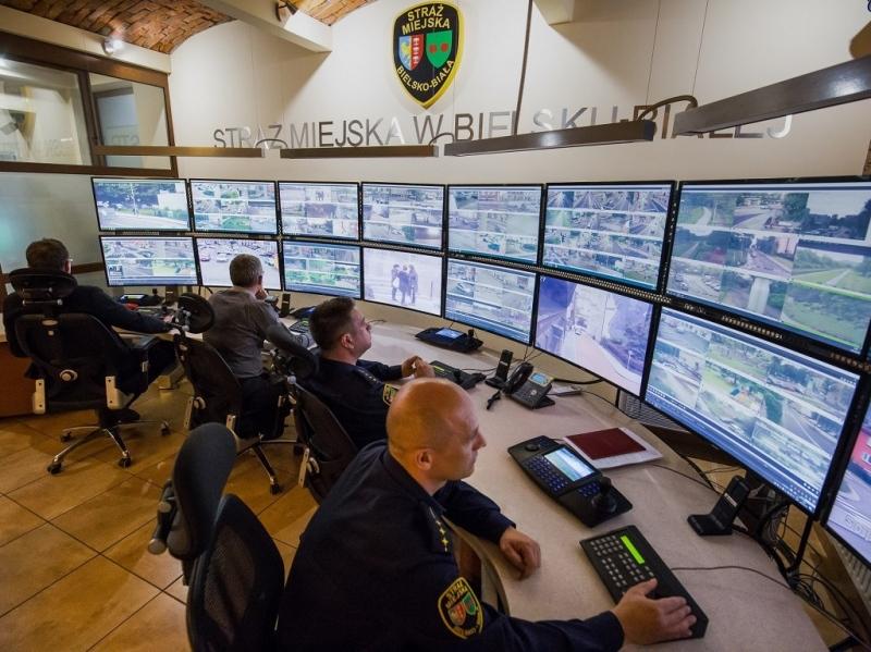 Strażnicy uratowali człowieka, przydał się miejski monitoring